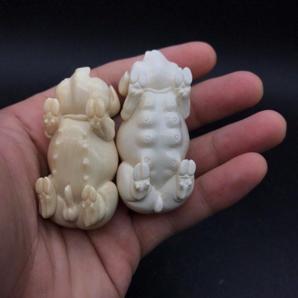 猛犸象牙雕刻公猪母猪一对