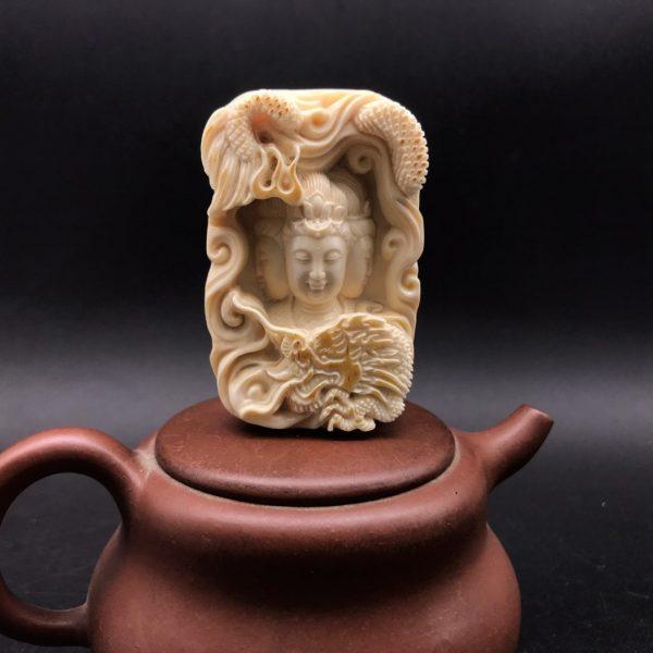 王金亮猛犸象牙三面观音牌子皮雕工艺